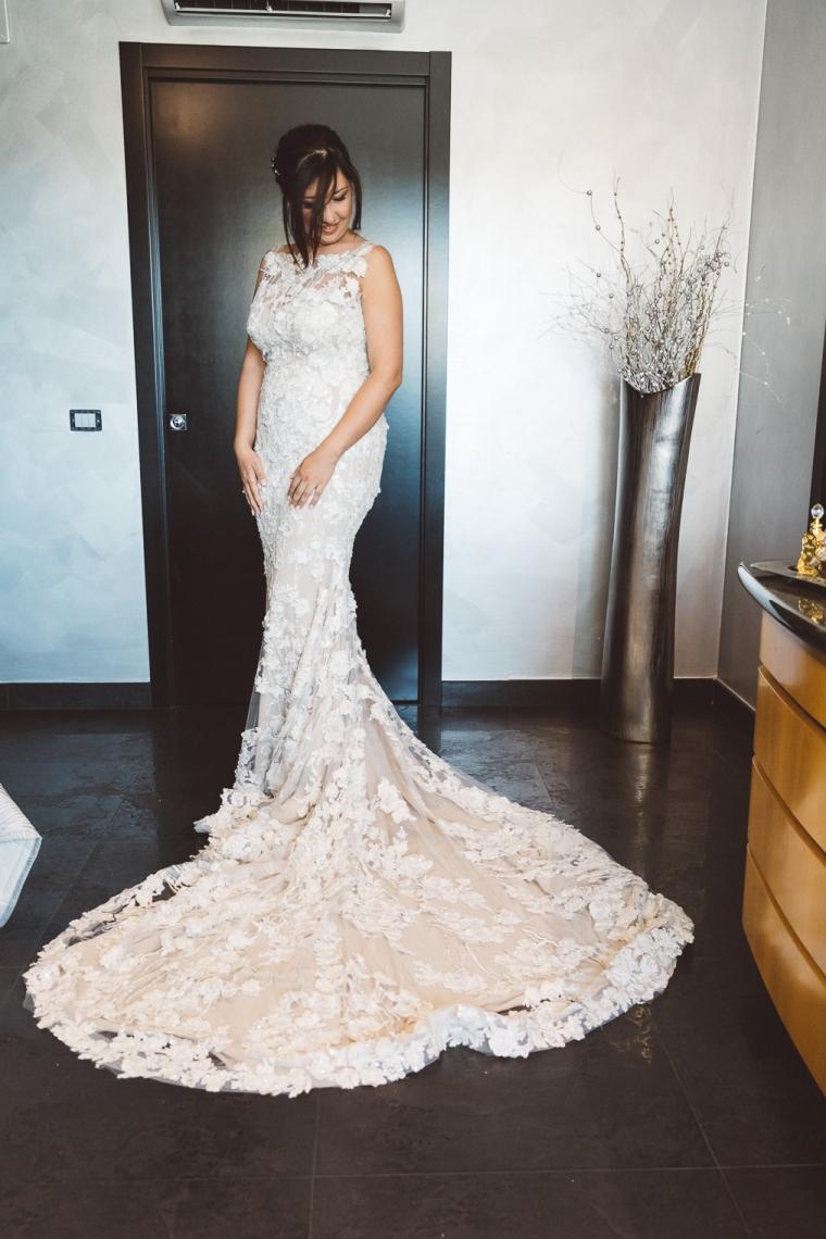 foto matrimonio Monte San Giovanni Campano, MSGC, Frosinone. Ricevimento presso villa Amorosa di Fumone. Vestito da sposa
