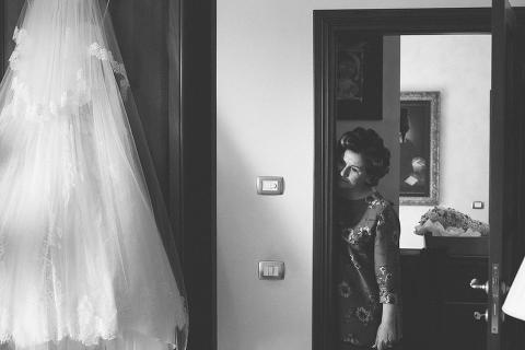 foto naturali, spontanea, fotografo, matrimonio, Frosinone, Veroli, preparativi, sposa, abito, wedding, trucco, sposo
