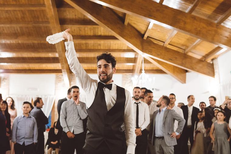 matrimonio, wedding, vestito da sposa,fotografo di matrimonio, frosinone, veroli, latina, foto naturali, foto spontanea, spontanee, alvito, evangelisti, rito evangelico, amore, damigelle, bridemaids, sposa latino americana, settefrati, ricevimento