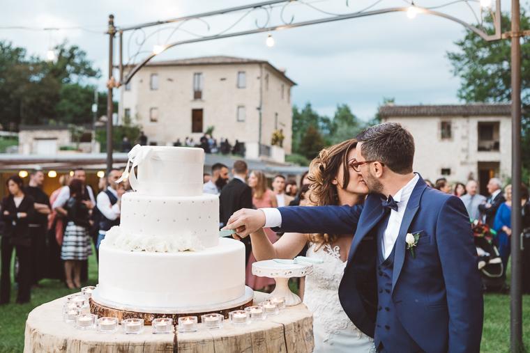 matrimonio, fotografo di matrimonio, wedding, abito da sposa, Frosinone, foto naturali, foto spontanea, emozioni, ritratto sposi, Arpino, ricevimento, Tenuta il laureto, torta nuziale, taglio della torta