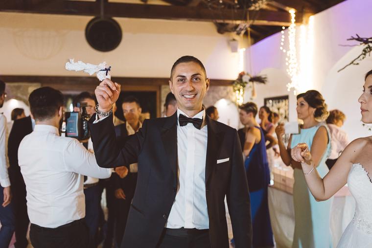 matrimonio, fotografo di matrimonio, wedding, abito da sposa, Frosinone, foto naturali, foto spontanea, emozioni, Villa Ecetra, ricevimento, villa per matrimoni, divertimento, festeggiamenti, lancio della giarrettiera